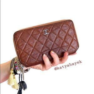 SOLD 💫 Chanel Classic Zip around Wallet 💫